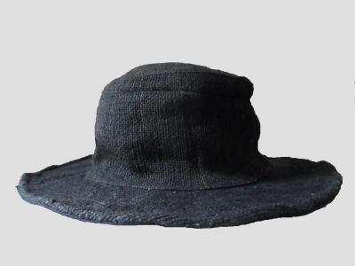 Schwarze Hut aus Hanf