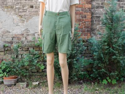 Grüne kurze Hose aus Hanf und Baumwolle